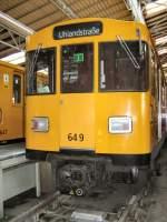 Wagenhalle WarschStr/65362/wagen-649-im-depot-warschauer-bruecke Wagen 649 im Depot Warschauer Brücke, Berlin 9.9.2007
