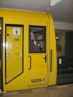 grosprofil-ty-p-ab-5000/66053/moderne-u-bahn-typ-h-wagenzug-5039 Moderne U-Bahn Typ H Wagenzug 5039
