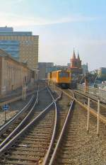 U 1/66323/ausfahrt-aus-dem-bhf-warschauer-strasse Ausfahrt aus dem Bhf Warschauer Strasse, U 1