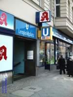 U 6/67881/eingang-zum-u-bhf-lepoldplatz-u Eingang zum U-Bhf Lepoldplatz   U 6 und U 9 Berlin 2004