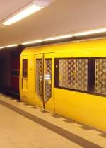 osloer-strasse/149890/h-zug-im-u-bhf-osloer-strasse H-Zug im U-Bhf Osloer Strasse